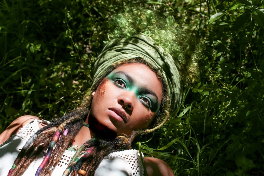 Hippkhoi in Conscious: a'nifty fifty' photography